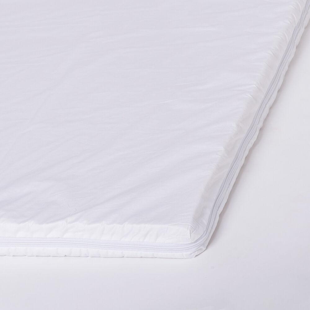 így könnyedén és stabilan rögzíthető a matracon.