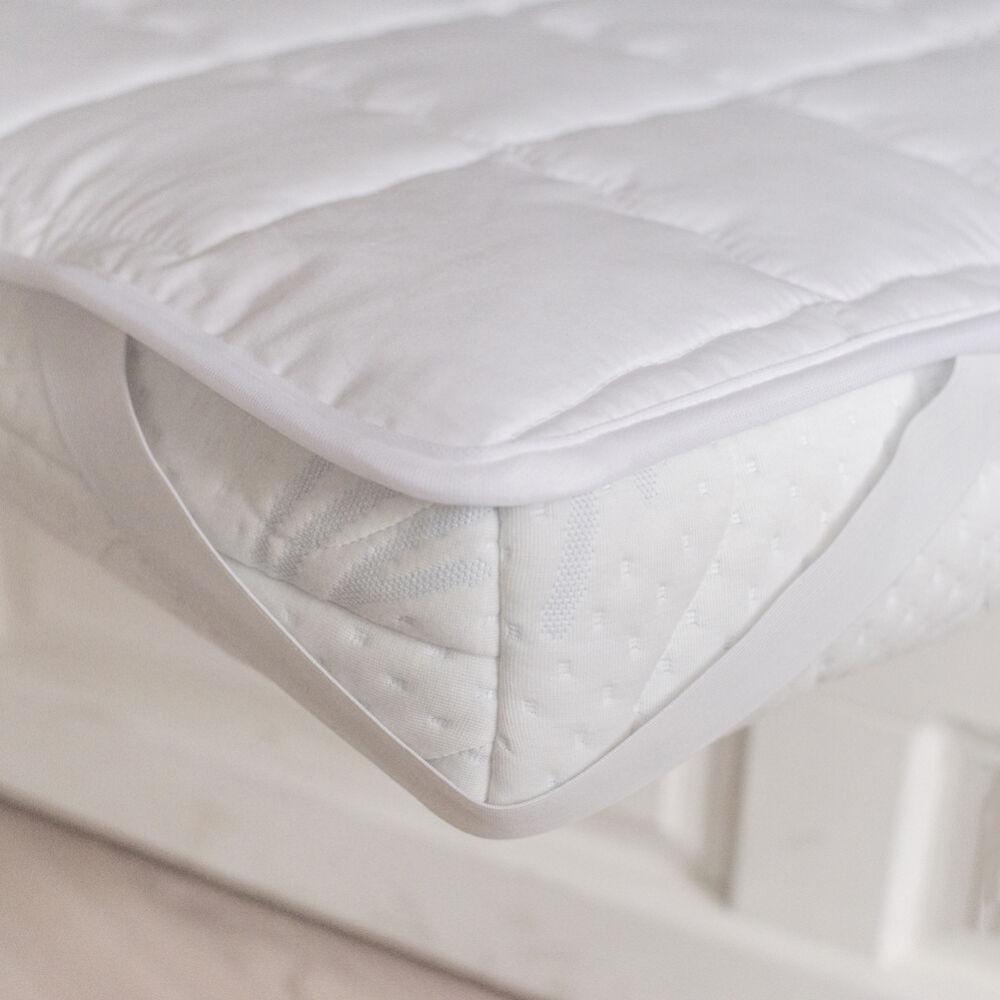 steppelt matracvédő. Finom vászon anyagból készül négy sarkán gumírozott.