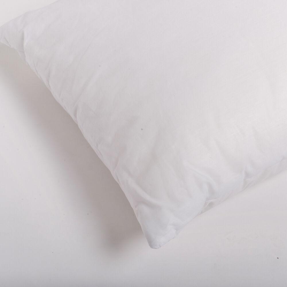 bőrbarát félpárnánk nyugodt álmot biztosít az allergiával küzdőknek is. 90 fokon mosható