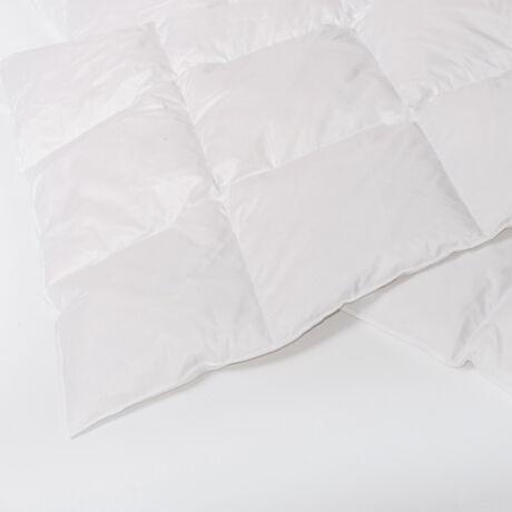 Hófehér, kazettás dupla tollpaplan, mely I. osztályú, 100%-os magyar fehér lúdtollból készül.