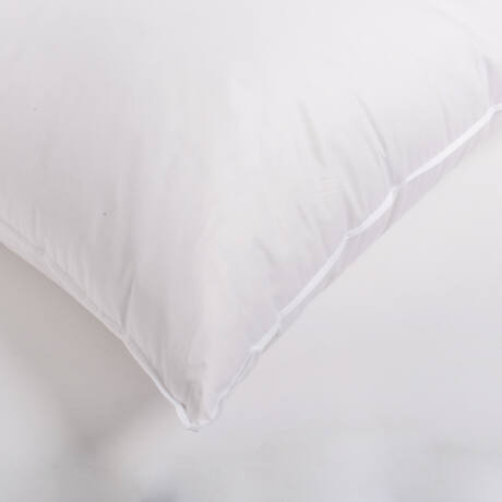 Pehelypárna 80-20%-os, kiváló minőségű szürke lúdpehely töltettel, 100% pamut bevonattal. Pihe-puha, formatartó termék.